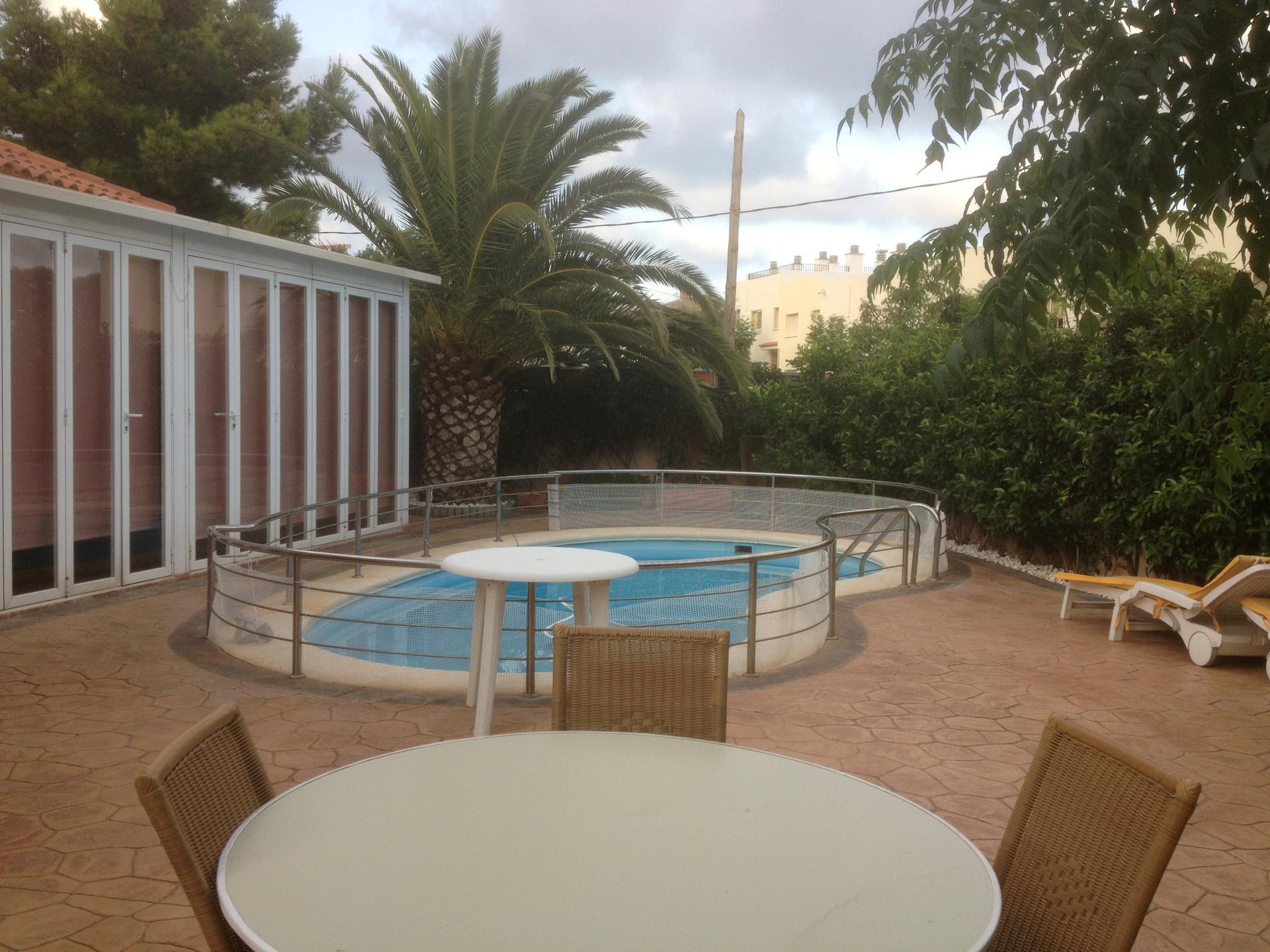 Casa -                                       Miami Playa -                                       4 dormitoris -                                       0 ocupants